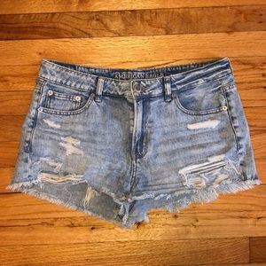 AE light wash denim shortie